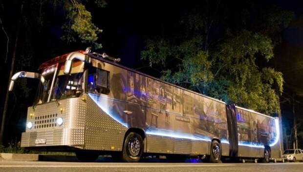 Ночной клуб на колесах: вторая жизнь старого автобуса
