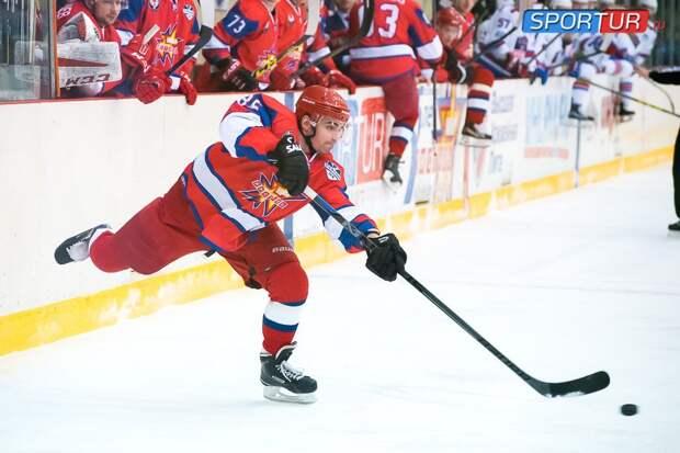 Хоккеисты «Ижстали» начали новый сезон с поражения