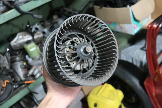 неисправность мотора отопителя