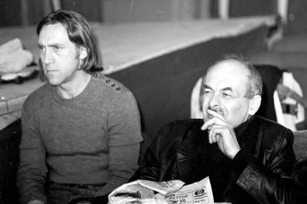 Окуджава с Владимиром Высоцким. Источник: 24smi.org