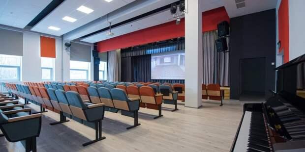 Собянин открыл новое здание клуба «Современник» на северо-западе Москвы.Фото: Д. Гришкин mos.ru