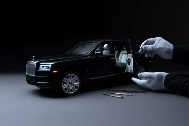 Этот миниатюрный Роллс-Ройс стоит столько же, сколько настоящий автомобиль (3 фото)