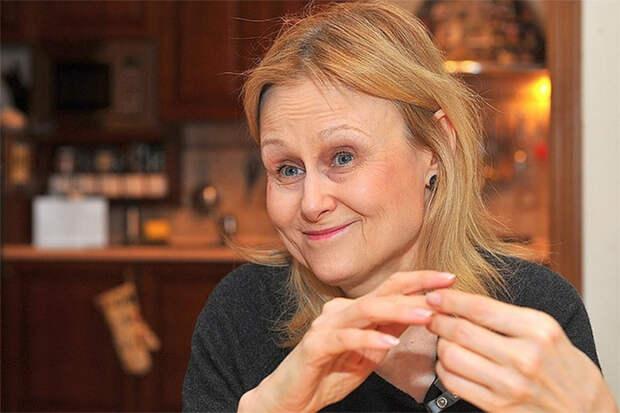 «Потеряла 5 кг…нет сил стоять»: как выглядит Дарья Донцова, перенесшая коронавирус