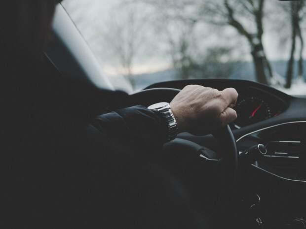 В Крыму разыскивают сбежавшего со смертельного ДТП водителя