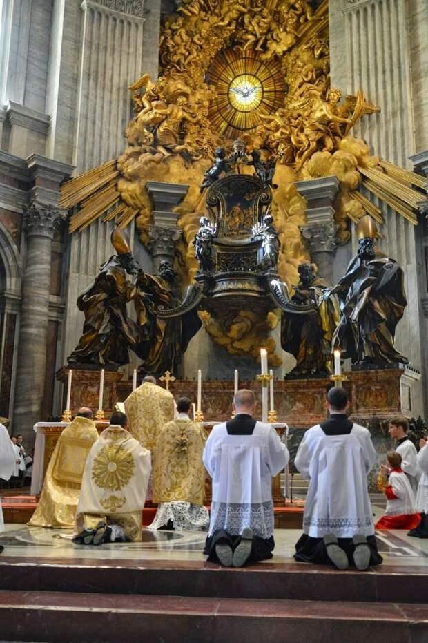НАТО и Папа Римский Украине в помощь!