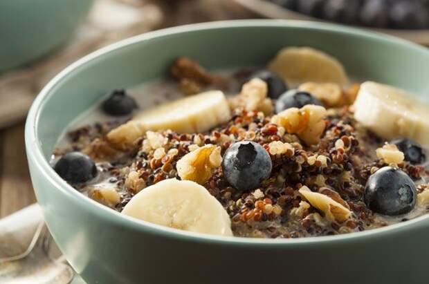 Яичница против каши. Что лучше есть на завтрак?