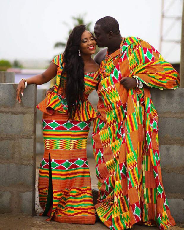 Красочные свадебные наряды каждой семьи имеют свой собственный узор.