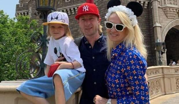 Мечтающий о большой семье Плющенко не против усыновить ребенка