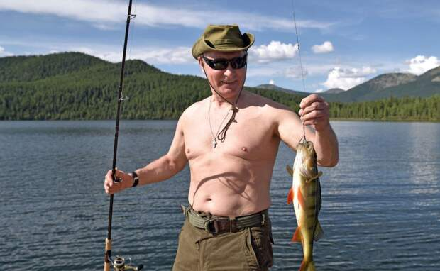 Когда царь на рыбалке, Европа ждёт
