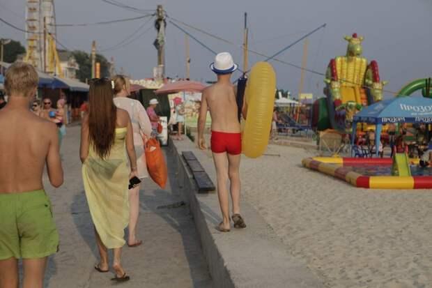 10 колоритных фото с пляжей Чёрного моря, на которые все поедут этим летом