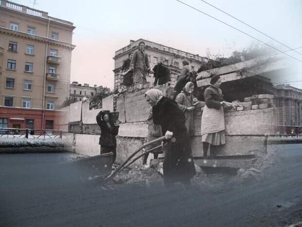 Ленинград 1941-2010 Московский проспект у Парка Победы. Строительство баррикад блокада, ленинград, победа