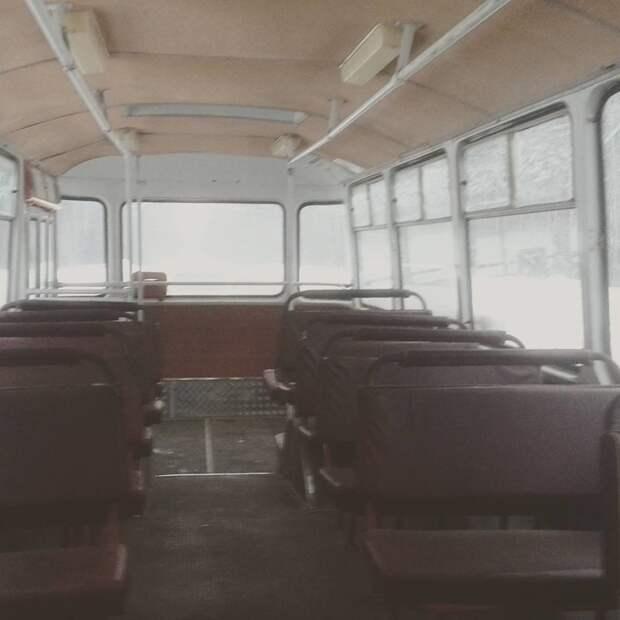 Как подбрасывало на кочках заднюю площадку автобусы, воспоминания, детство, ностальгия