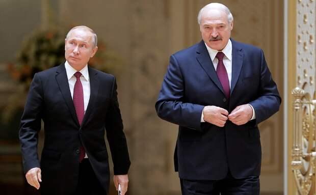 Заявление Путина о готовности помочь Лукашенко силовиками переполошило либералов