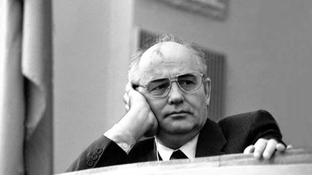 Горбачев рассказал о попытке самоубийства Ельцина
