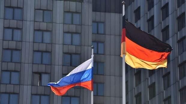 Германия добила гегемонию США готовностью произвести российскую вакцину