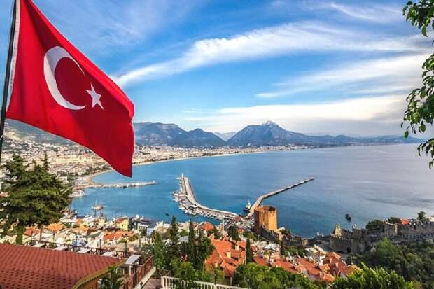 Российских туристов выселили из отеля в Турции из-за коронавируса