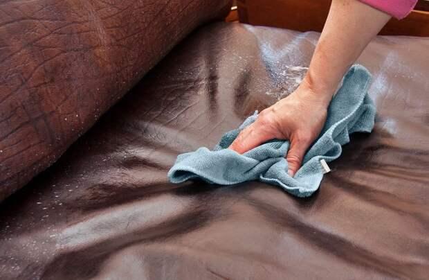 Перекись водорода поможет справиться со многими пятнами на кожзаме / Фото: cdn.websites.hibu.com