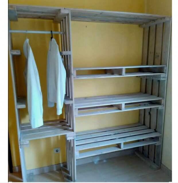 Гардеробная комната из палет