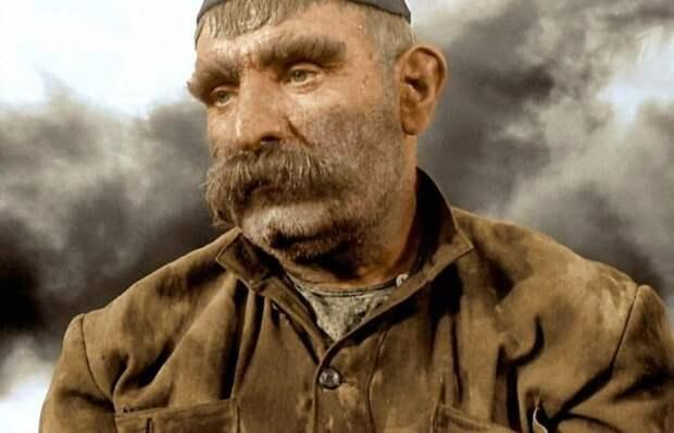 Как реальная история о старике, который вслед за сыном отправился на фронт, заставила рыдать весь СССР: «Отец всех солдат»
