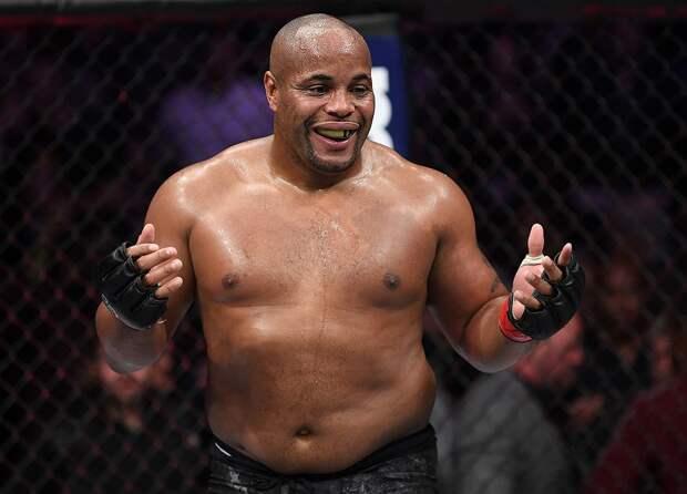 Кормье: «Нганну изменит отношение к тяжелому весу UFC в мире спорта»