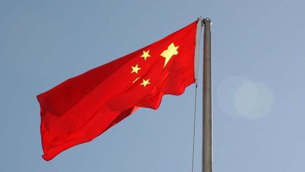 Зашатавшийся небоскреб вызвал панику у людей в Китае