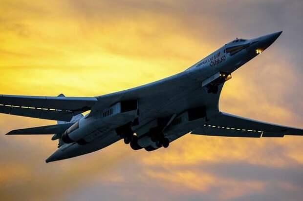 Прогноз Avia.pro: Россия может послать стратегические бомбардировщики к границам Франции в ответ на полеты ее ВКС возле Крыма