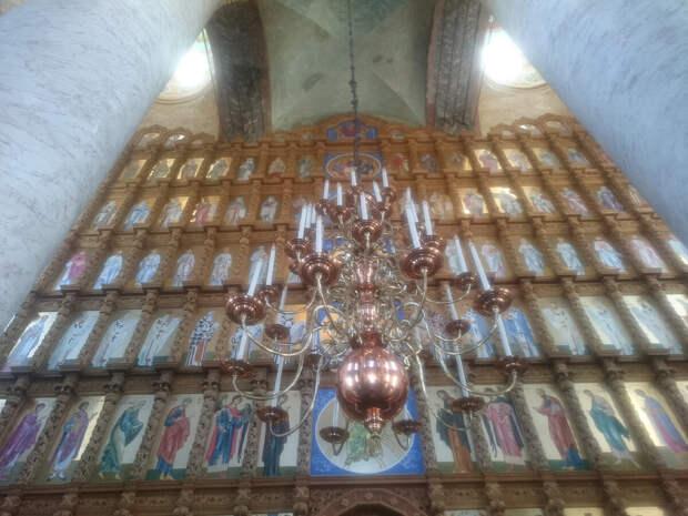 Иконостас Успенского Кафедрального Собора в Астрахани