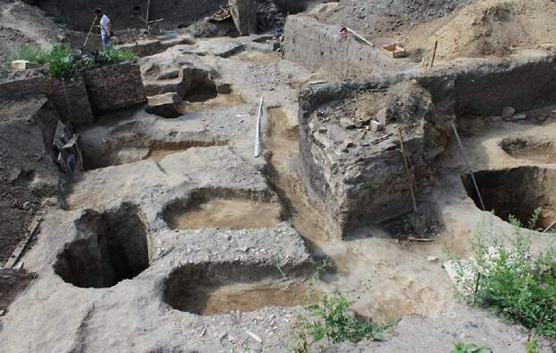 Туалеты средневековья на раскопах Азова
