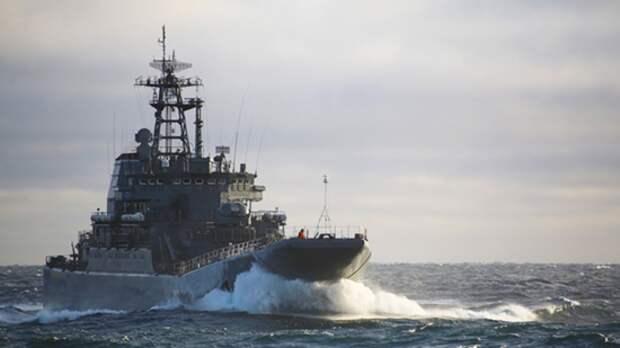 В СМИ сообщили о входе двух больших российских десантных кораблей в Черное море