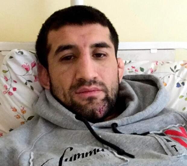 Бойца ММА Мирзаева избили заоскорбления Хабиба. Его били ногами итребовали извиниться