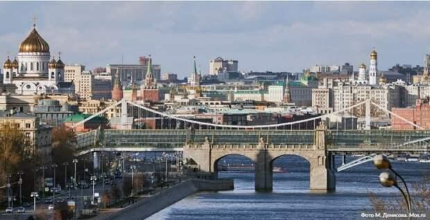 Собянин заявил, что принятые меры пока позволяют избегать локдауна Фото: М.Денисов, mos.ru