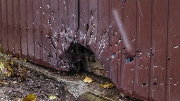 Бойцы ВСУ обстреляли из гранатомета населенный пункт Желобок у линии фронта в ЛНР
