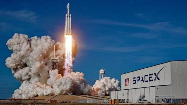 SpaceX осуществила запуск ракеты-носителя с 54 спутниками