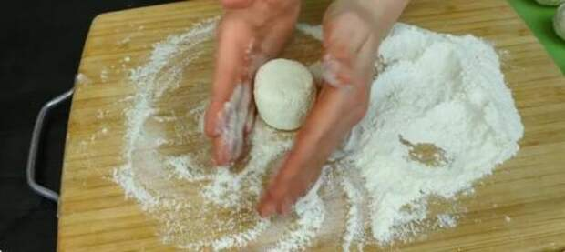 Подруга из деревни научила готовить «правильные» сырники: делюсь рецептом