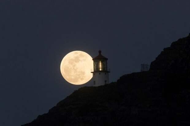 Расстояние между Луной и Землёй стало минимальным в этом году