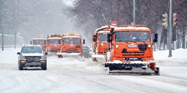 Тротуары и проезжую часть на Рудневой очистили от снега – «Жилищник»