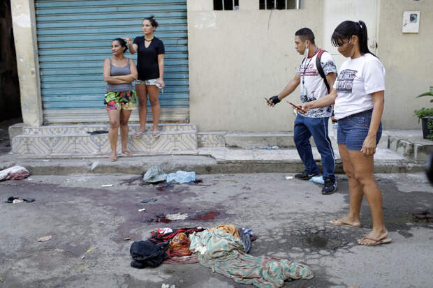 Реальная работа: полицейский рейд в Рио-де-Жанейро