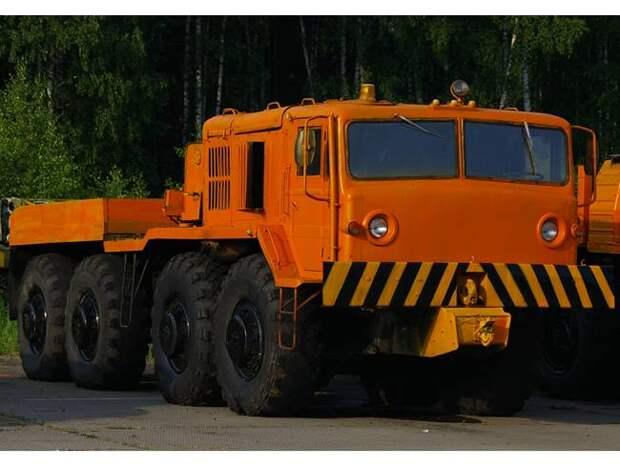Тягач стратегического назначения. МАЗ-537: из Минска в Курган