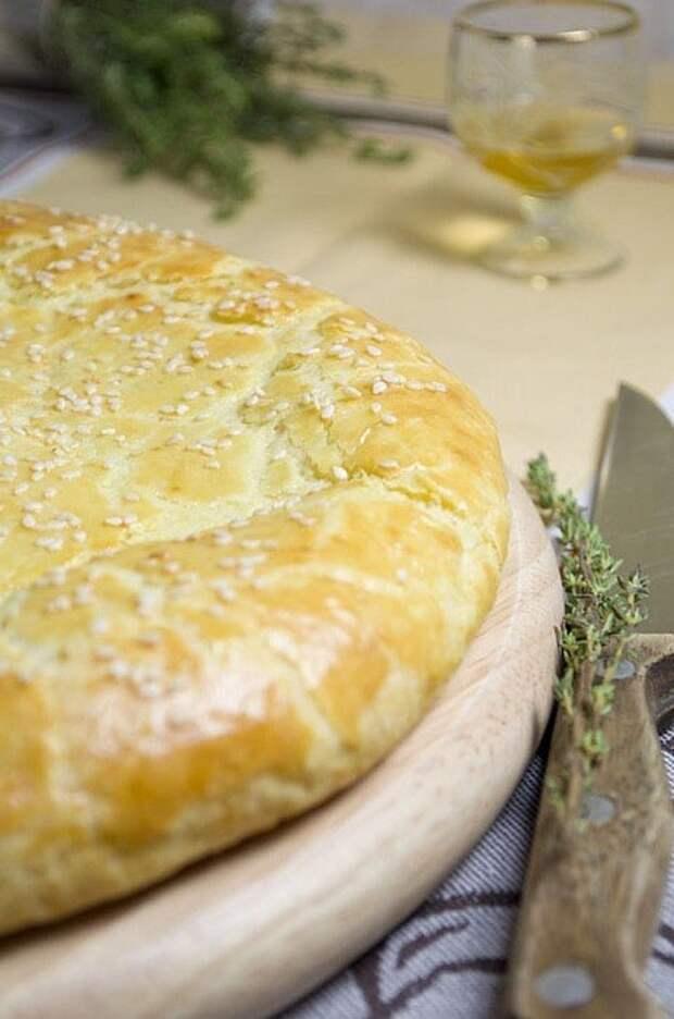 Лепёшка из творожного теста с сыром