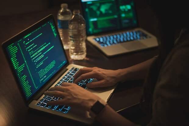 18-летнего жителя Ижевска осудили за взлом и продажу аккаунтов в соцсетях