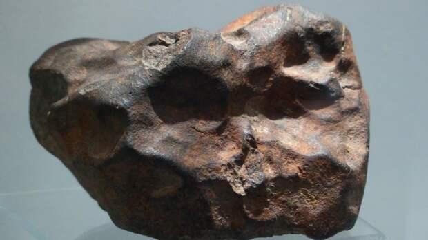 Обнаруженный в Англии метеорит может рассказать о зарождении жизни на Земле