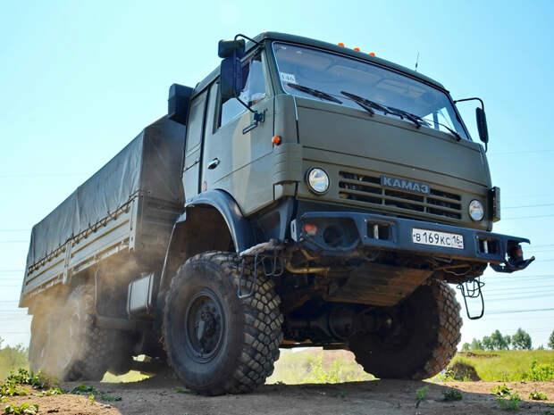 КАМАЗ-5350 – тяжёлый внедорожный грузовой вездеход на службе российской армии