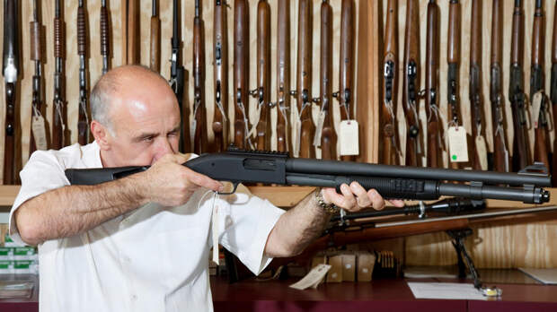 Законопроект об усилении контроля за оружием внесли в Госдуму