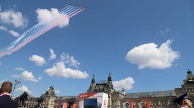 Кремль оценил вероятность изменений в воздушной части парада Победы в Москве