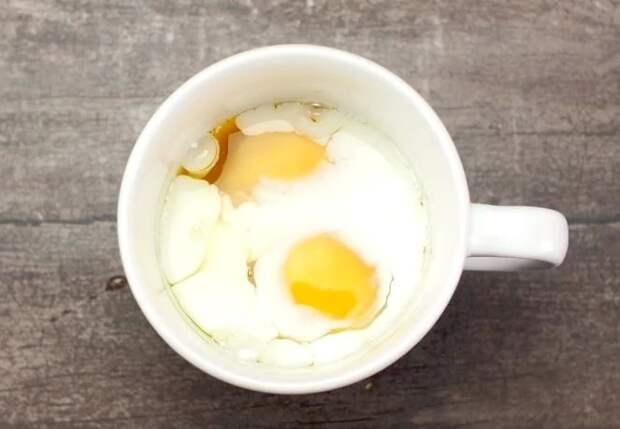 Мгновенный рецепт сытного завтрака на утро. Вкуснятина готовится, пока вы чистите зубы