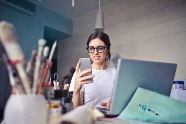 Жизнь за компьютером: к каким проблемам со спиной нас приводят гаджеты?