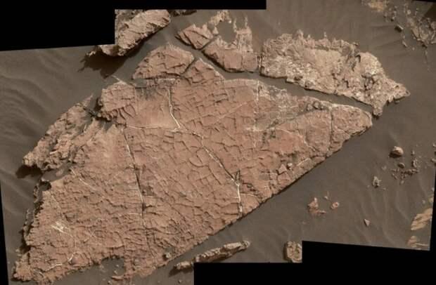 Curiosity нашел следы соленых озер на Марсе