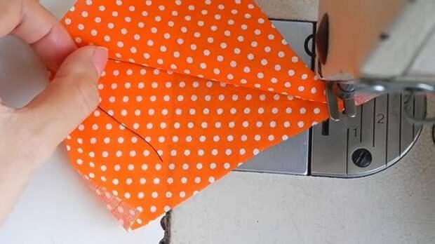Швейные хитрости от экспертов: зачем нужен магнит при шитье, как красиво укоротить лямку и другие