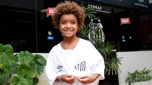 Сенсация в Бразилии: Nike подписал контракт с 8-летним игроком. Кауан Басиле точно станет звездой