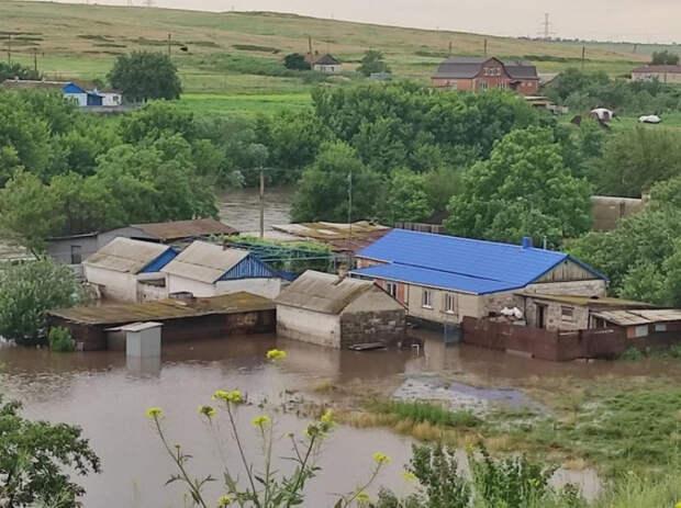 Украина в воде: юг страны затапливает, в Крыму эвакуируют людей